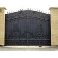 """Ворота с железным листом с элементами ковки """"Синоп"""""""