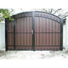 Ворота из профнастила с элементами ковки 19