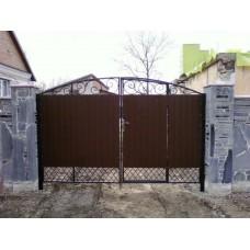 Ворота из профнастила с элементами ковки 13