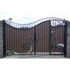 Ворота из профнастила с элементами ковки 20