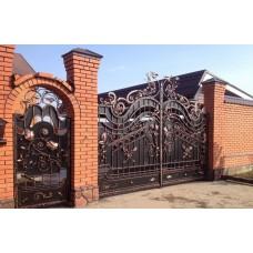 Эксклюзивные распашные кованые ворота
