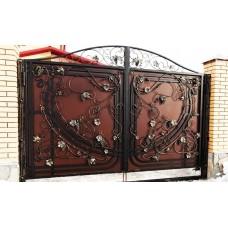 Распашные ворота с ковкой ручной работы