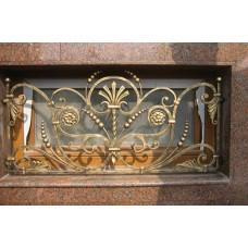 Кованые декоративные решетки с золотыми окончаниями