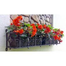 Декоративная кованая цветочница на окно