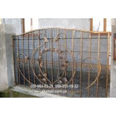 Забор с элементами ковки F16