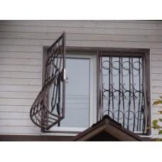 Открывающиеся кованые решетки для жилого дома